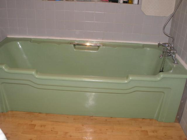 green-ceramic-large-bath_78024_1